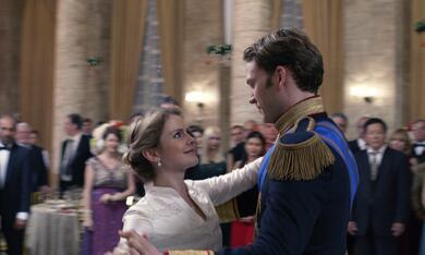 A Christmas Prince: The Royal Wedding mit Rose McIver und Ben Lamb - Bild 1