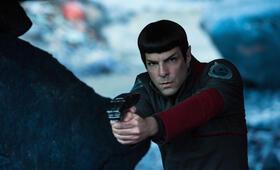 Star Trek Beyond mit Zachary Quinto - Bild 3