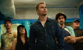 Blue Iguana mit Sam Rockwell, Ben Schwartz, Al Weaver und Phoebe Fox - Bild 4