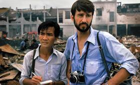 The Killing Fields - Schreiendes Land mit Sam Waterston und Haing S. Ngor - Bild 4