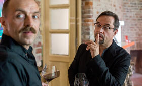 Tatort: Gott ist auch nur ein Mensch mit Jan Josef Liefers und Aleksandar Jovanovic - Bild 2