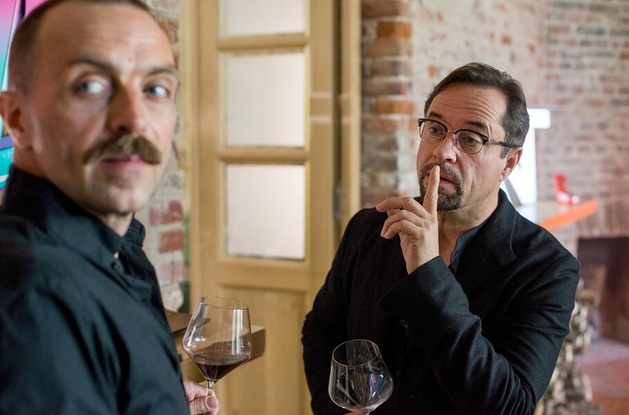 Tatort: Gott ist auch nur ein Mensch mit Jan Josef Liefers und Aleksandar Jovanovic
