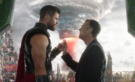 Thor 3: Tag der Entscheidung mit Mark Ruffalo und Chris Hemsworth - Bild 38
