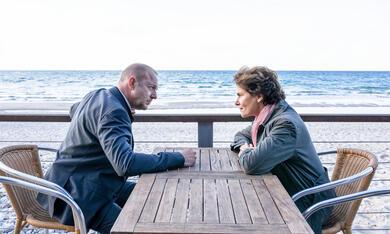 Das Mädchen am Strand mit Heino Ferch und Barbara Auer - Bild 1