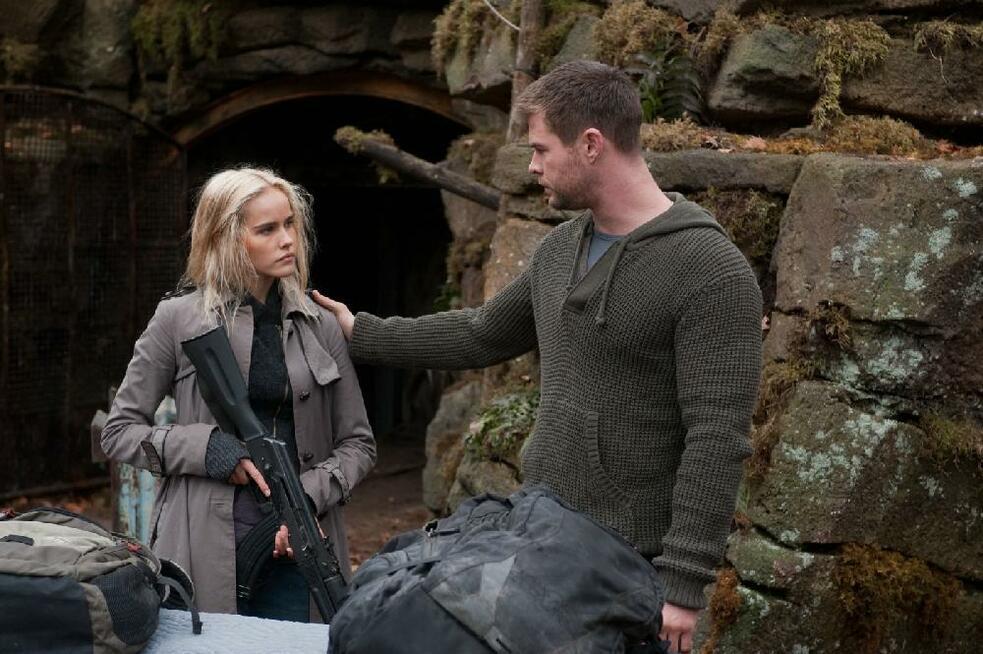 Red Dawn mit Chris Hemsworth und Isabel Lucas