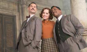 Mord im Orient Express mit Daisy Ridley, Tom Bateman und Leslie Odom Jr. - Bild 5