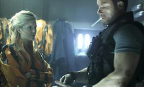 Lockout mit Guy Pearce und Maggie Grace - Bild 20