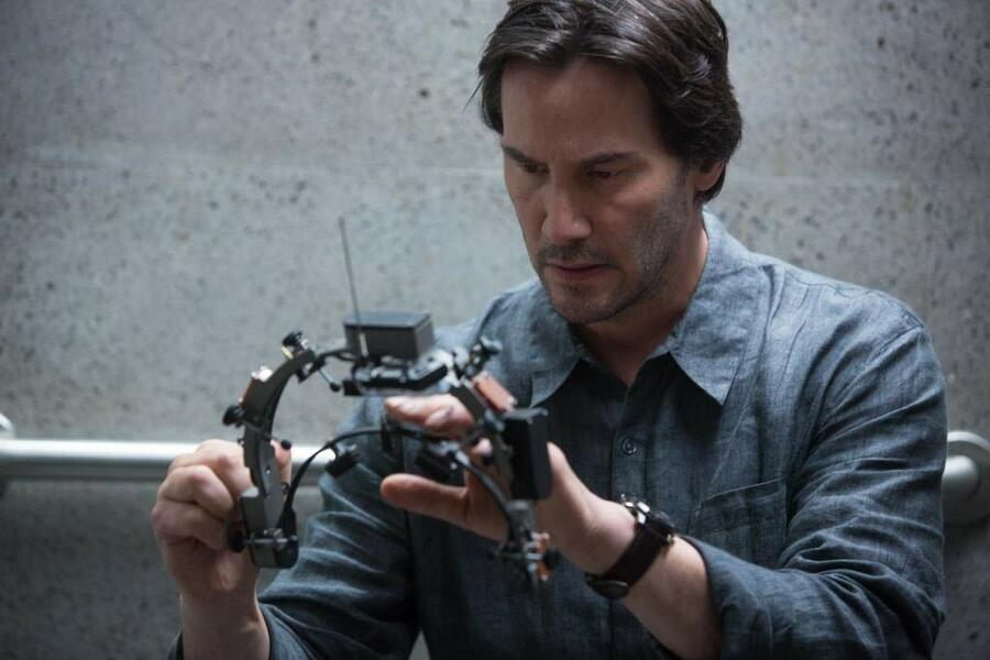 Replicas mit Keanu Reeves