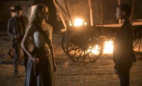 Westworld - Staffel 2, Westworld - Staffel 2 Episode 2 mit Evan Rachel Wood, Thandie Newton und James Marsden - Bild 2