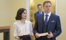 Powerless, Powerless Staffel 1 mit Vanessa Hudgens und Alan Tudyk - Bild 39