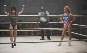 GLOW Staffel 1 mit Alison Brie - Bild 14