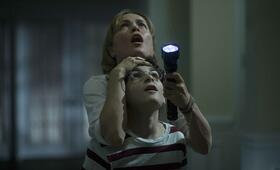 The Darkness mit Radha Mitchell und David Mazouz - Bild 18