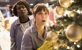 Hit Mom - Mörderische Weihnachten mit Anneke Kim Sarnau und Thelma Buabeng - Bild 24