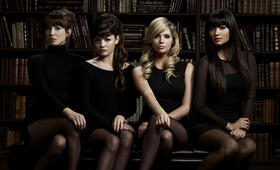 Pretty Little Liars mit Shay Mitchell - Bild 12