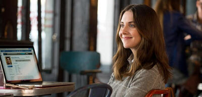 How to be single mit alison brie