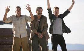 Männer, die auf Ziegen starren mit Ewan McGregor und George Clooney - Bild 35