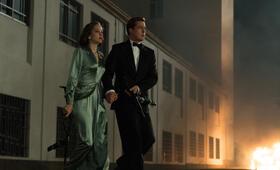 Allied - Vertraute Fremde mit Brad Pitt und Marion Cotillard - Bild 52