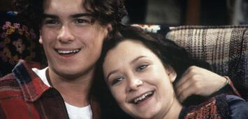 Bild zu:  Roseanne mit Johnny Galecki undSara Gilbert