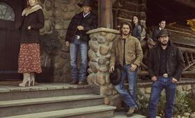 Yellowstone - Staffel 2, Yellowstone mit Kevin Costner, Wes Bentley, Kelly Reilly, Cole Hauser, Luke Grimes und Kelsey Asbille - Bild 4