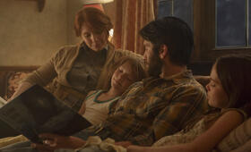 Elliot, der Drache mit Bryce Dallas Howard, Wes Bentley und Oona Laurence - Bild 11