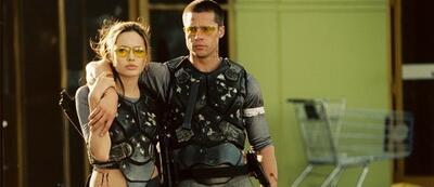 Angelina Jolie & Brad Pitt in Mr. & Mrs. Smith