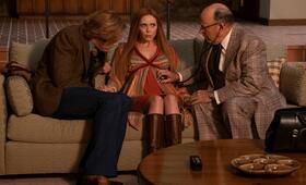 WandaVision, WandaVision - Staffel 1 Episode 3, WandaVision - Staffel 1 mit Paul Bettany und Elizabeth Olsen - Bild 1