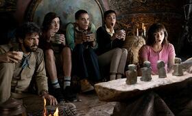 Dora mit Isabela Moner, Eugenio Derbez, Madeleine Madden und Jeffrey Wahlberg - Bild 1