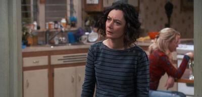 Sara Gilbert in Roseanne