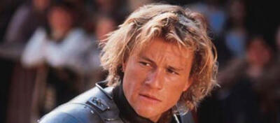 Ein skeptischer Heath Ledger in Ritter aus Leidenschaft