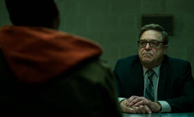 Captive State mit John Goodman - Bild 25