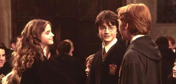 Harry Potter 2: Hermine gibt Ron die Hand, aber umarmt Harry