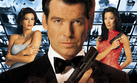 James Bond 007 - Der Morgen stirbt nie mit Pierce Brosnan, Michelle Yeoh und Teri Hatcher - Bild 52