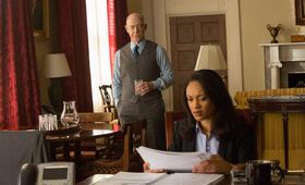 The Accountant mit J.K. Simmons und Cynthia Addai-Robinson - Bild 18