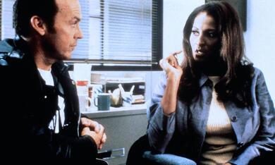 Jackie Brown mit Michael Keaton und Pam Grier - Bild 12