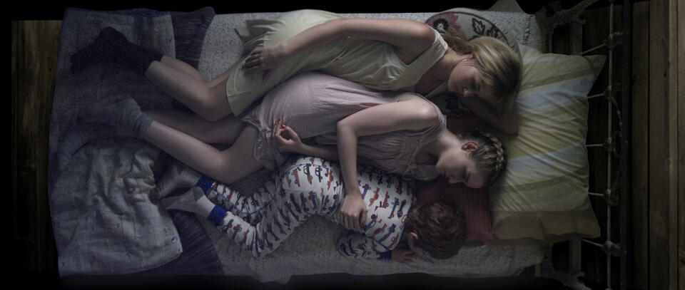 We Are What We Are mit Julia Garner, Ambyr Childers und Jack Gore