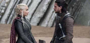 Bild zu:  Emilia Clarke und Kit Harington in Game of Thrones