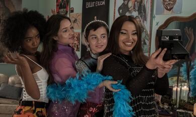 Der Hexenclub mit Cailee Spaeny, Gideon Adlon, Lovie Simone und Zoey Luna - Bild 10