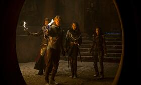 The Shannara Chronicles, Staffel 1 mit Austin Butler und Poppy Drayton - Bild 13