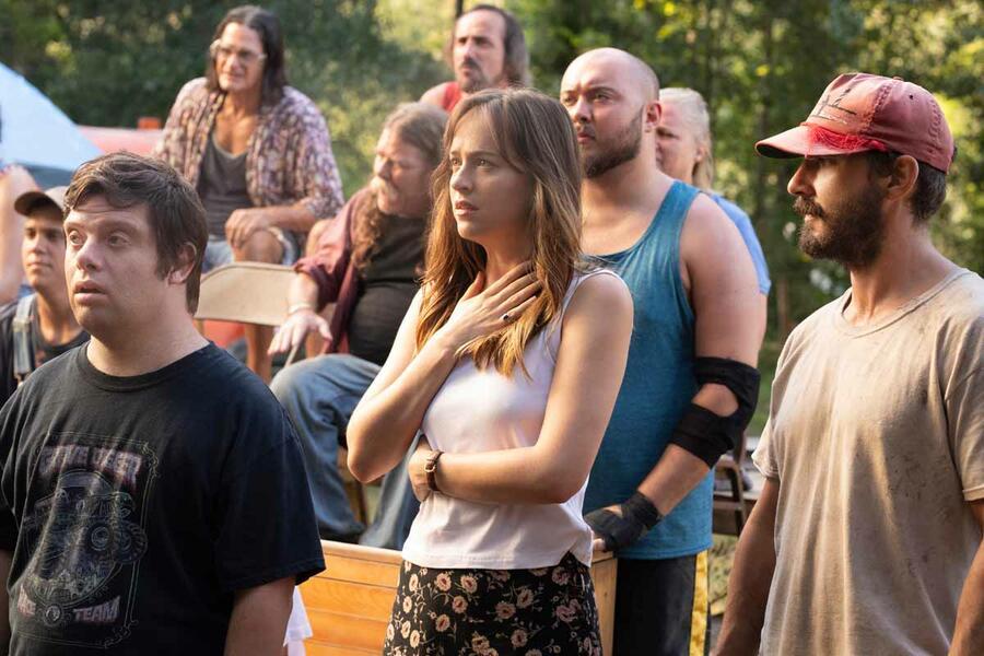 The Peanut Butter Falcon mit Shia LaBeouf, Dakota Johnson und Zack  Gottsagen