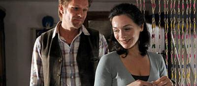 Anton (Thure Riefenstein) und seine große Liebe Lena (Julia Stemberger) wurden durch eine Intrige entzweit.