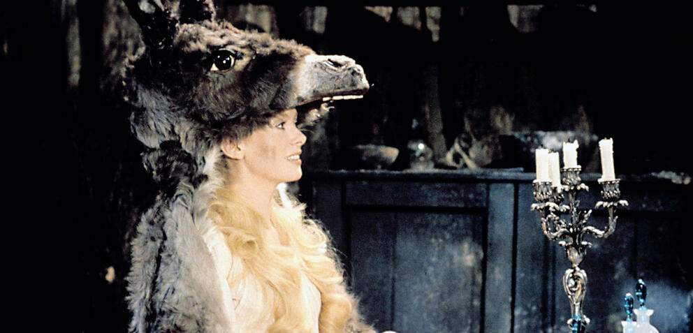 Catherine Deneuve mit einem Ex-Esel
