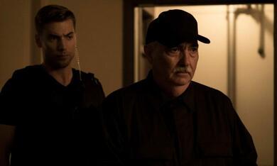 Dirk Gently's Holistic Detective Agency, Dirk Gently's Holistic Detective Agency Staffel 1 - Bild 3