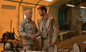 Operation: 12 Strong mit Chris Hemsworth und William Fichtner - Bild 14