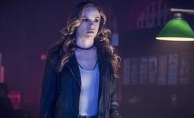 The Flash - Staffel 4 mit Danielle Panabaker - Bild 2