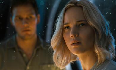 Passengers mit Jennifer Lawrence und Chris Pratt - Bild 1