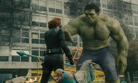 Marvel's The Avengers 2: Age of Ultron mit Scarlett Johansson und Mark Ruffalo - Bild 2
