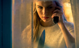 Safe Neighborhood mit Olivia DeJonge - Bild 3