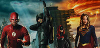 Bild zu:  Flash, Green Arrow, Batwoman und Supergirl