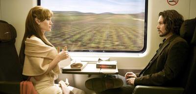 Johnny Depp mit Angelina Jolie in The Tourist