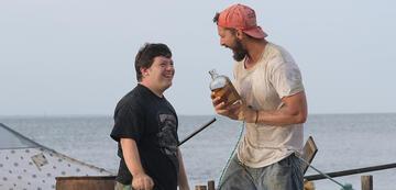 Zack Gottsagen und Shia LaBeouf in The Peanut Butter Falcon